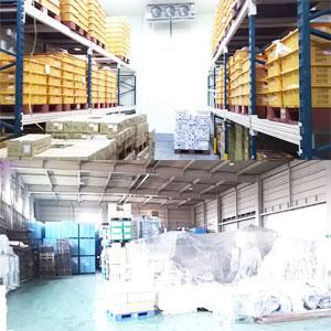 300坪の倉庫を完備